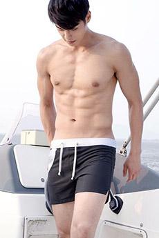 25张中国男模性感的肌肉小帅哥图片