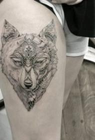 纹身狼的图案 10款冷漠而又狂野的狼纹身图案