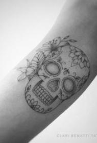 黑灰纹身小图 十分具有文艺气息的黑灰纹身小图案
