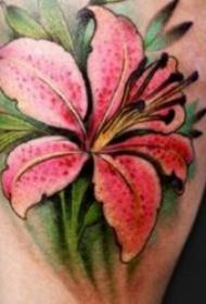 百合花紋身圖案  象征著冰清玉潔的百合花紋身圖案