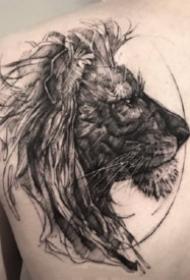 9张适合狮子座的狮子纹身作品图案