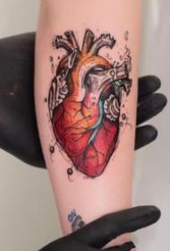 心脏主题的9张纹身图案作品