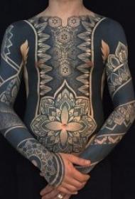 图腾纹身图案 个性化十足的黑灰色调图腾纹身图案