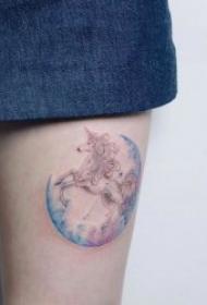 水彩纹身图片  适合女生绚丽而又唯美的水彩纹身图案
