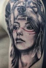 狼的紋身圖案  9張技巧多樣化的狼紋身圖案