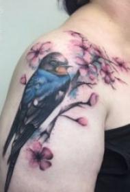 纹身燕子   振翅高飞的漂亮燕子主题纹身图案