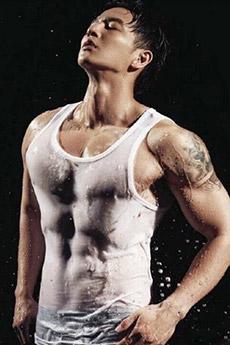 中国男模杨奇煜胸肌艺术图片