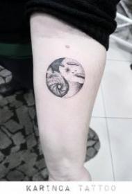 纹身八卦图   阴阳互补的创意八卦纹身图案