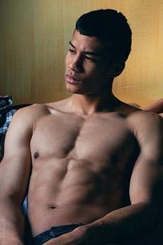 肌肉帅哥裸男图片6张欣赏
