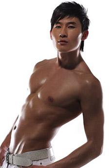新生代中国首席男模孟飞诱人写真图片