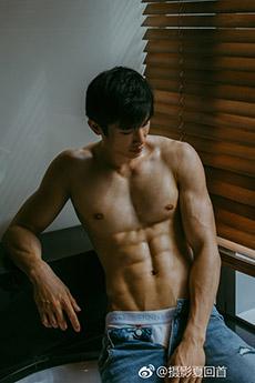 性感帅哥浴室肌肉艺术图片