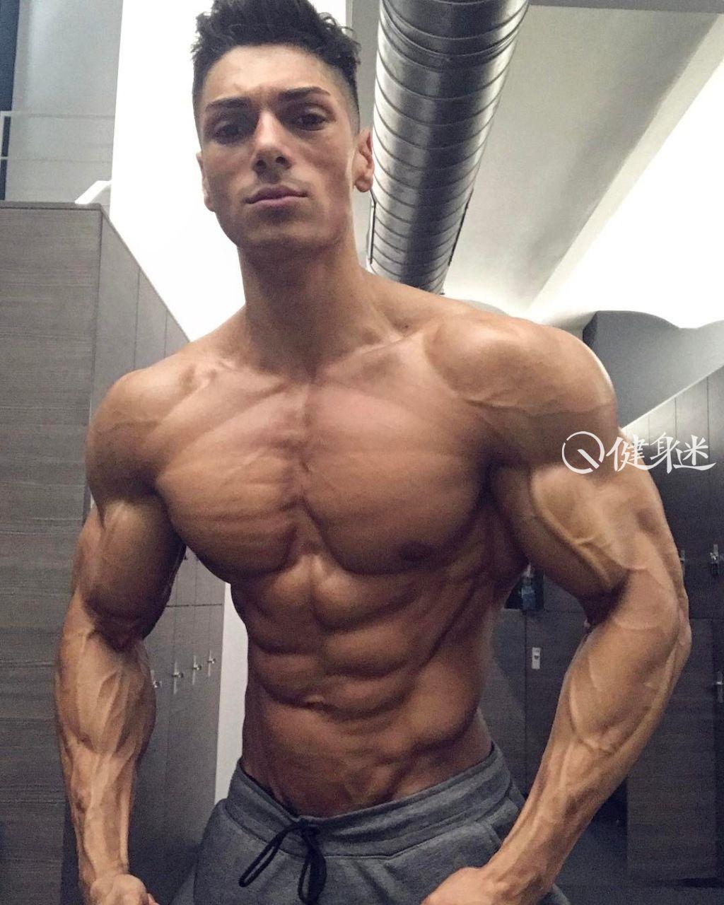 歐美性感肌肉帥哥圖片男體藝術寫真欣賞