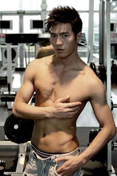 帅气中国名模李小兵个性生活照图片