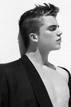 欧美男模艺术写真图片12张