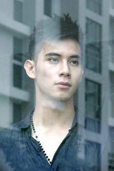 越南明星帅哥胡永科迷人生活照图片