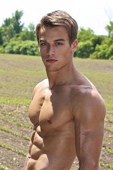 欧美年轻的半裸肌肉帅哥图片9张