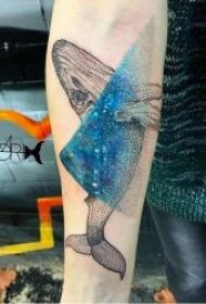 纹身鲸鱼  9张犹如海洋孤岛的鲸鱼纹身图案