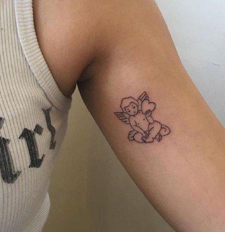 点击大图看下一张:小天使纹身 可爱的一组简约西方小天使图案