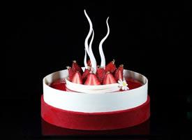 法式红丝绒白巧乳酪慕斯蛋糕~做法甜