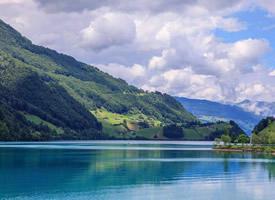 瑞士龙疆湖唯美风景桌面壁纸