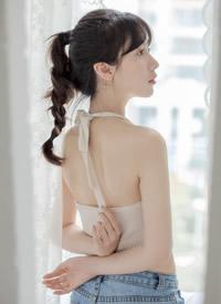 爆乳美女尤物吊带美乳性感写真