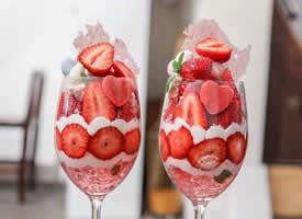 一组超级诱人的草莓奶昔图片欣赏
