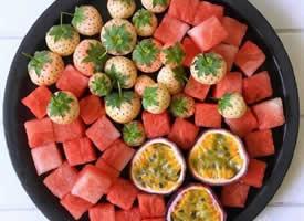这样吃水果比较过瘾的水果拼盘