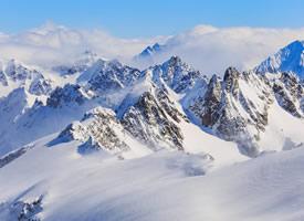 一組冰雪覆蓋的山脈高清圖片欣賞