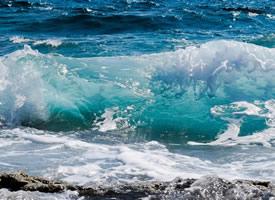 一组波涛汹涌的海浪图片欣赏