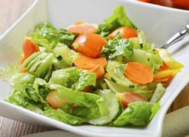 一组美味健康的蔬菜沙拉图片欣赏