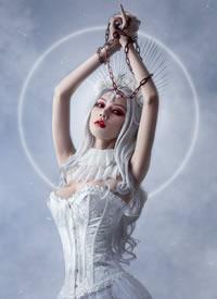 一组cos性感的白衣小姐姐图片欣赏
