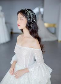 一款很少女的日系披发新娘发型