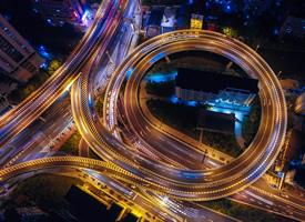 灯火辉煌的都市夜景高清桌面壁纸