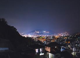 夜晚城市风景图片桌面壁纸欣赏