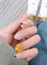 元氣又顯白的黃色系夏季美甲圖片欣賞