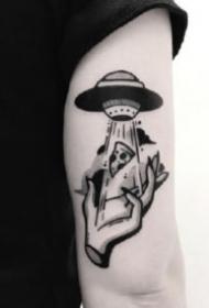 18組黑灰school風格的點刺小圖紋身作品