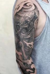 24款不错的欧美黑灰创意纹身图片