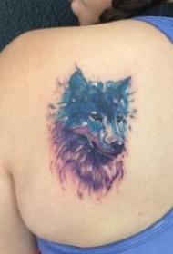 狼的紋身圖案   技巧與創意并存的狼紋身圖案
