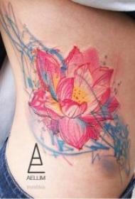 蓮花紋身圖案 10款多種風格的蓮花紋身圖案