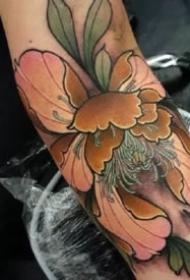傳統牡丹紋身 9張傳統風格的漂亮牡丹紋身圖案