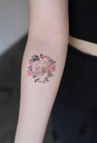 花環紋身 小清新的9張花環紋身圖案作品