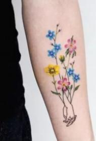 小清新花朵纹身 女神专属的9张花儿纹身图片