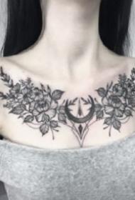 性感花胸紋身 女生胸部性感的肩花和花胸紋身圖案