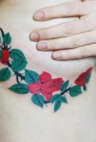 纹身图花朵  清秀而又不失秀丽的花朵纹身图案