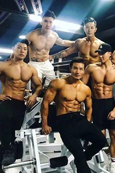 肌肉性感的中国猛男帅哥摄影写真图片