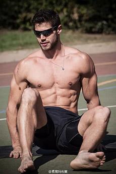 gv肌肉男帅哥写真图片