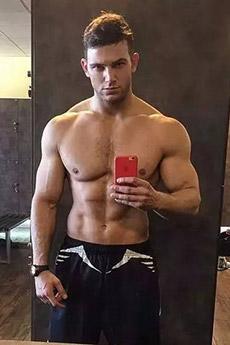 美国肌肉男帅哥健身自拍图片