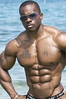 纹身肌肉男帅哥图片