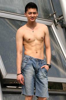 中国男模卢希安帅气生活照图片大全