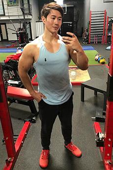 韩裔美国肌肉健身教练peter le生活照图片